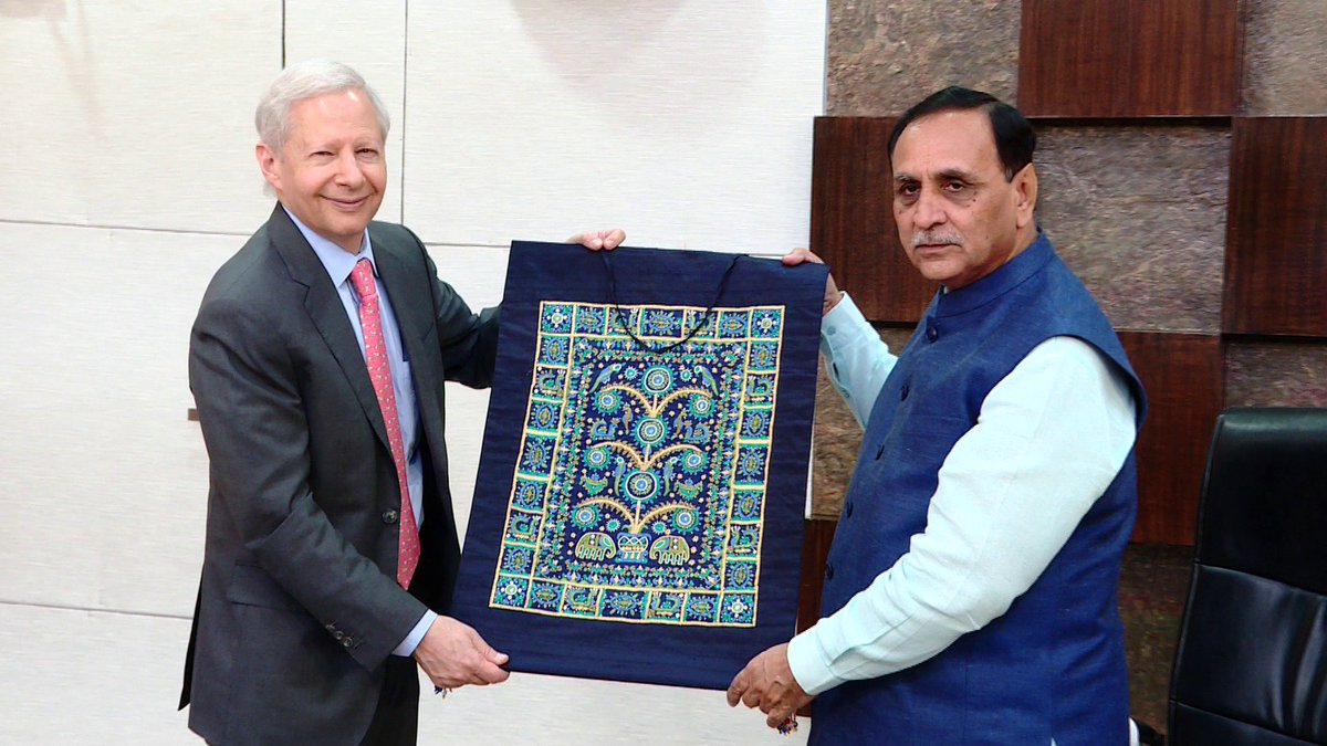 Rupani invites US to consider joining as partner country in Vibrant Summit 2019