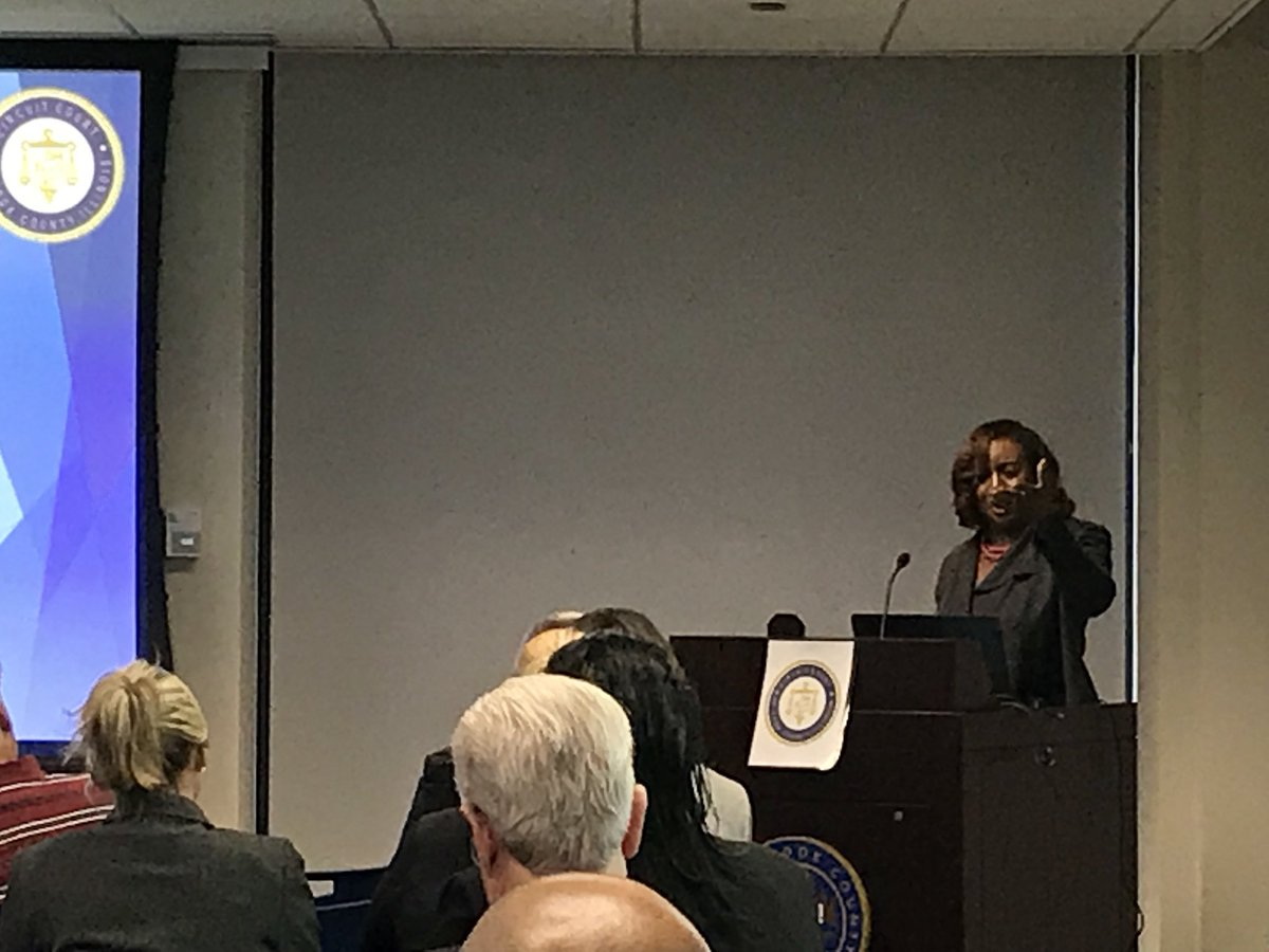 @CourtClerkBrown now speaking about the new website for Cook County Clerk Of The Circuit Court @courtfilingnet https://t.co/vGe9J29Yt1