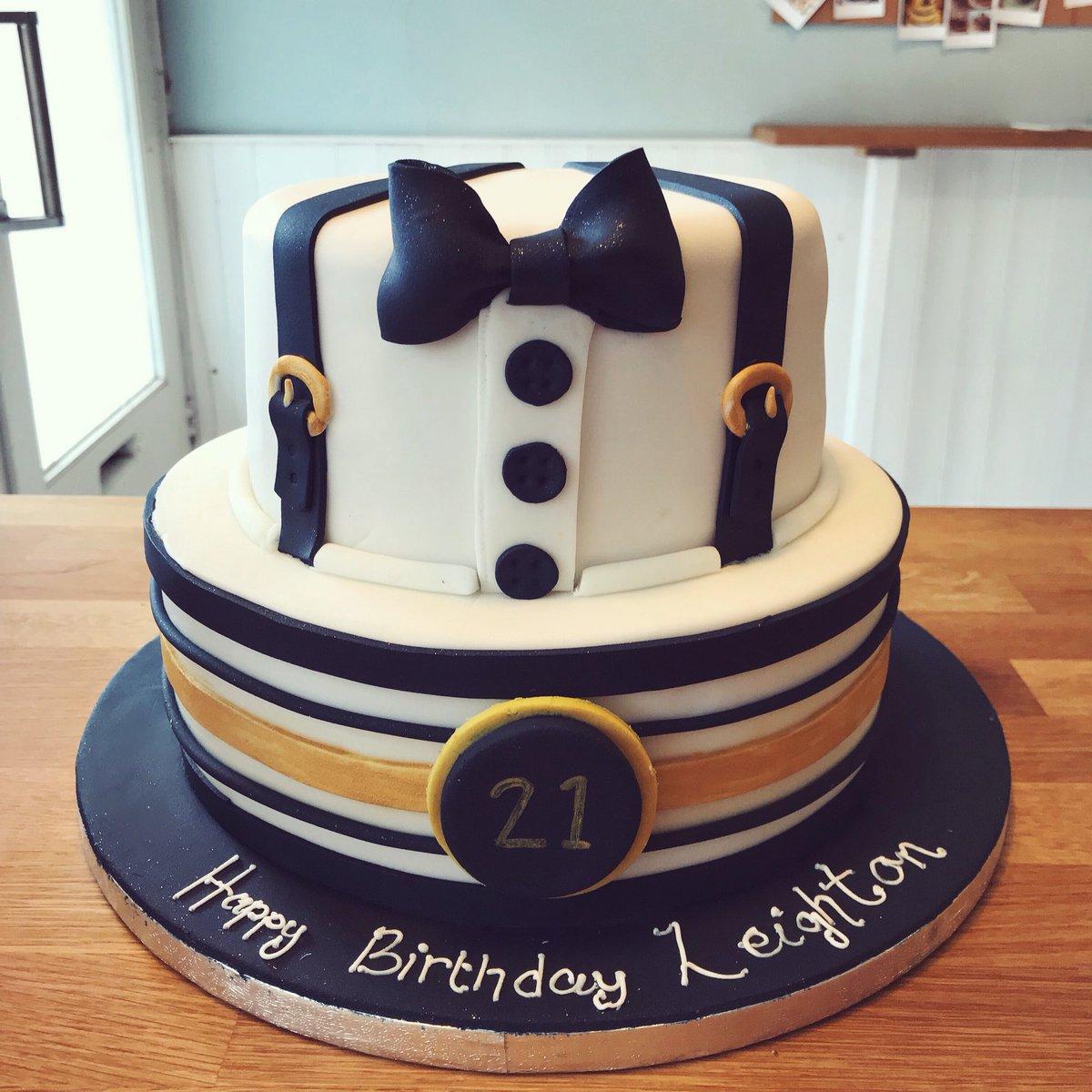 Fantastic Love Cake On Twitter Smart 21St Birthday Cake Cakeoftheday Funny Birthday Cards Online Sheoxdamsfinfo
