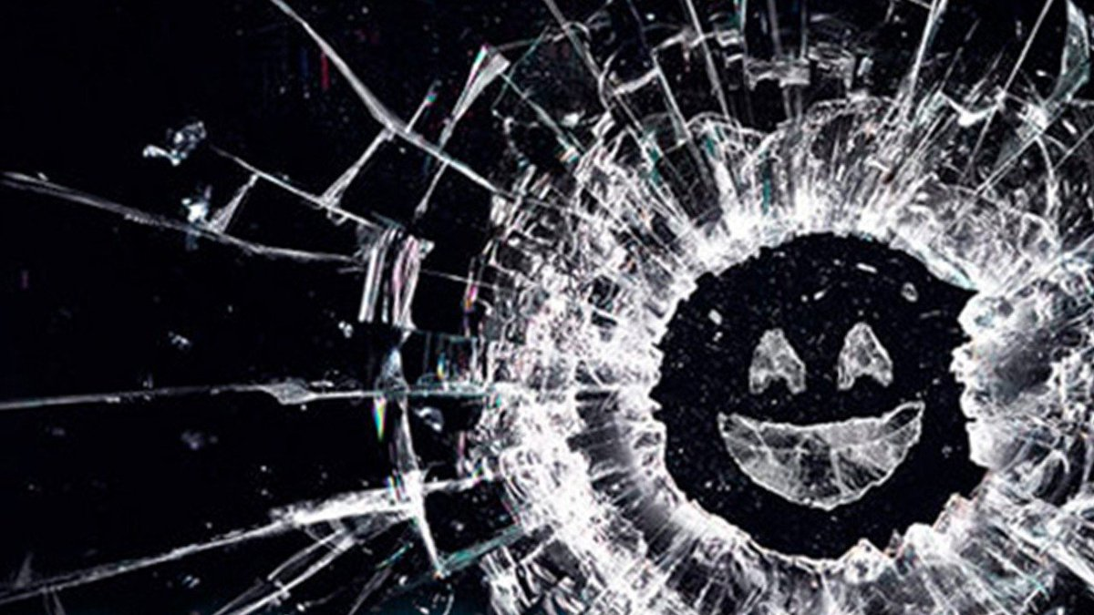 Black Mirror Season 5 will be out in December and has an episode that will allow viewers to choose how events in the story play out... 💀   https://t.co/Uyi3qO31dI