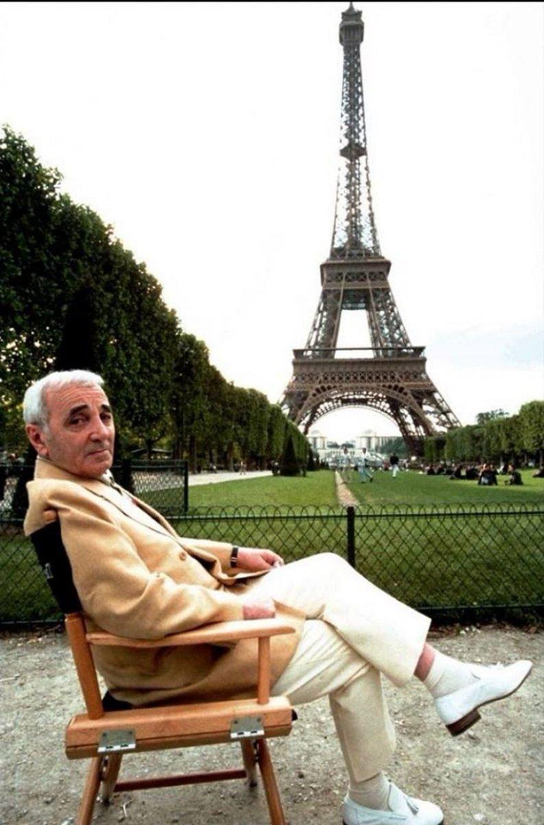 Adieu Charles Aznavour... - Page 2 DocZr_XWwAUUOSk