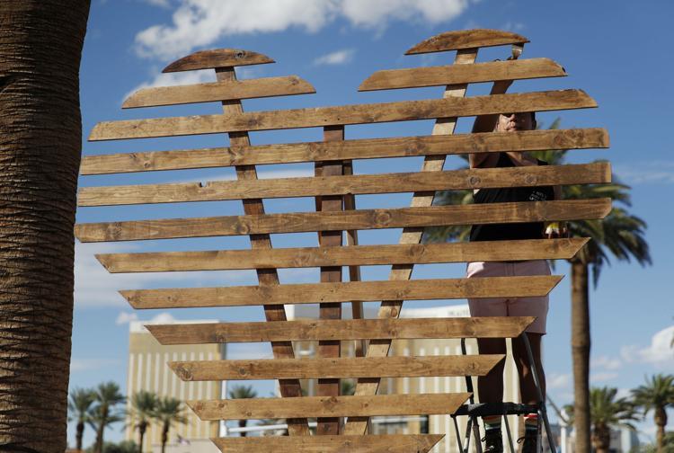 Photos: A year later, memorials honor victims of Las Vegas shooting https://t.co/Wx3rDOdYXX #VegasStrong