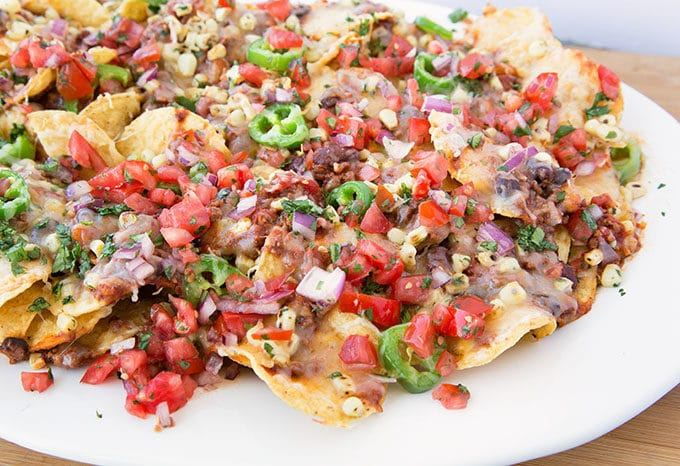 Ultimate Nachos Recipe for your Football Homegating Party https://t.co/xpP00cKvYf via @AskChefDennis https://t.co/RsyPXlxH7u