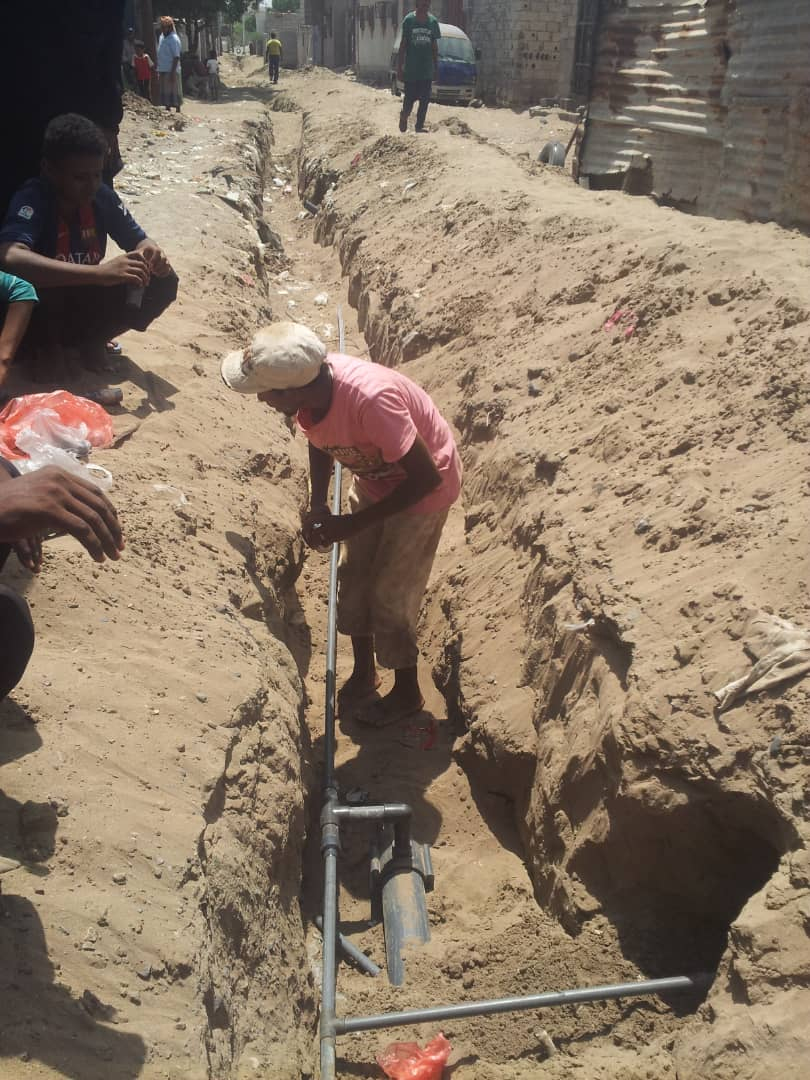 Repairing damage to water infrastructure caused by the fighting in Hodeidah #Yemen Damage to water and sanitation networks has been a key component in the country's ongoing cholera epidemic.