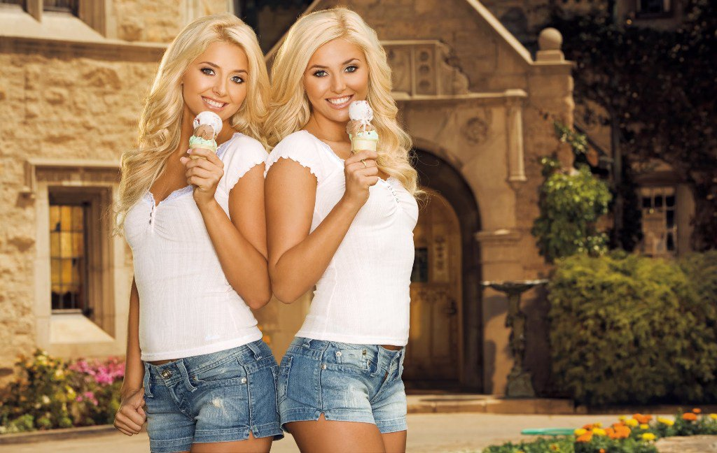 nude Blonde twins