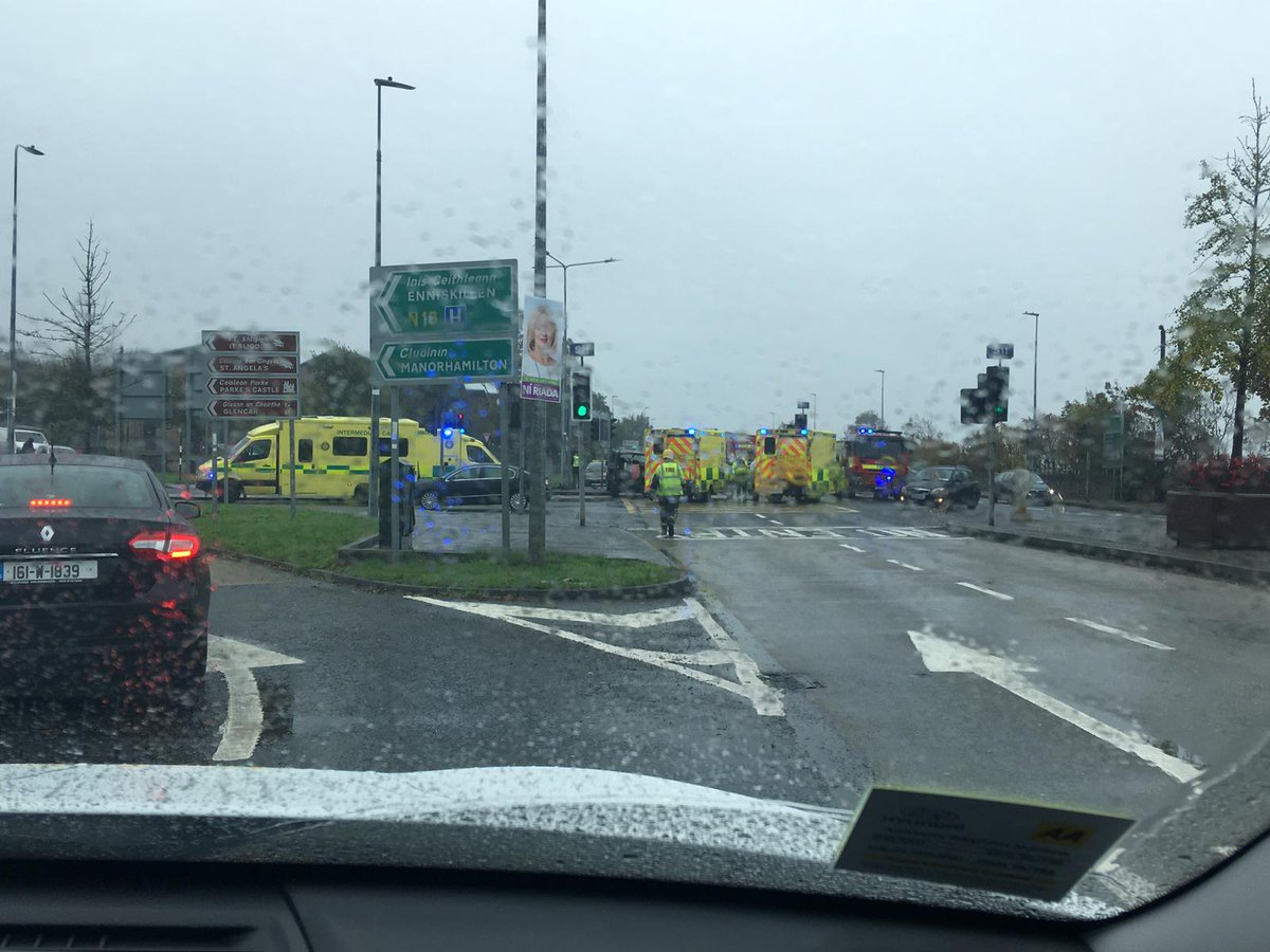 029ae934dfc38 There has been an accident at Duck Street in Sligo. As you turn down for IT  Sligo. Manorhamilton/Enniskillen turn off. Emergency Services on the scene.