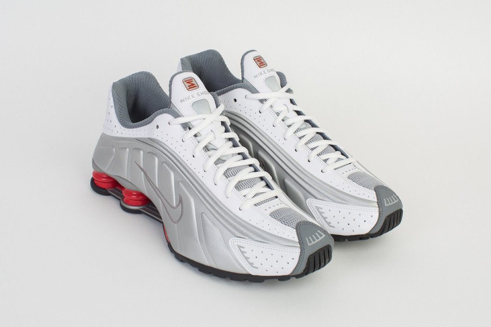 wholesale dealer 30436 43b5f the retrofuturistic nike shox r4 will be re released this week