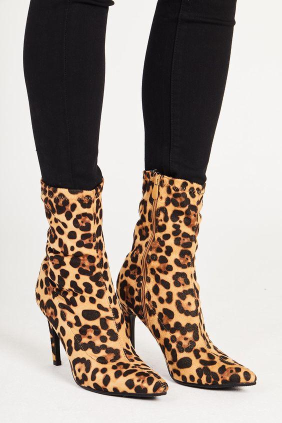 test Twitter Media - Leopard sock boots? Rawr. https://t.co/0XpOlS0pYF https://t.co/htgCjVsh8G