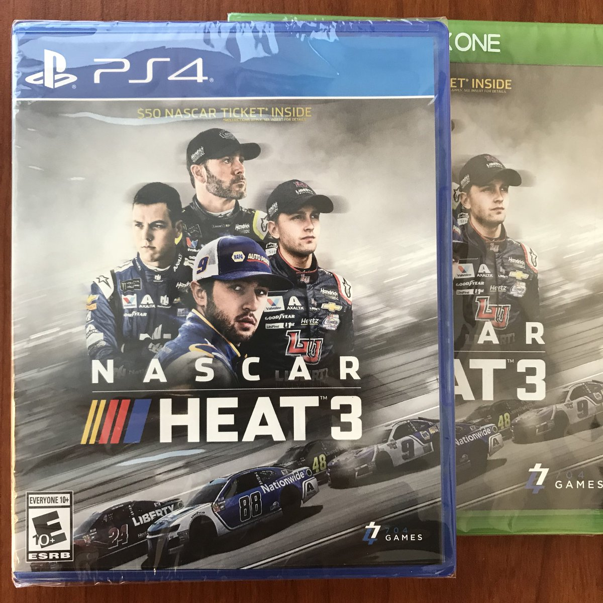 Who wants to win a copy of #NASCARHeat3? RT and reply with your console and we'll pick a winner! #NASCAR