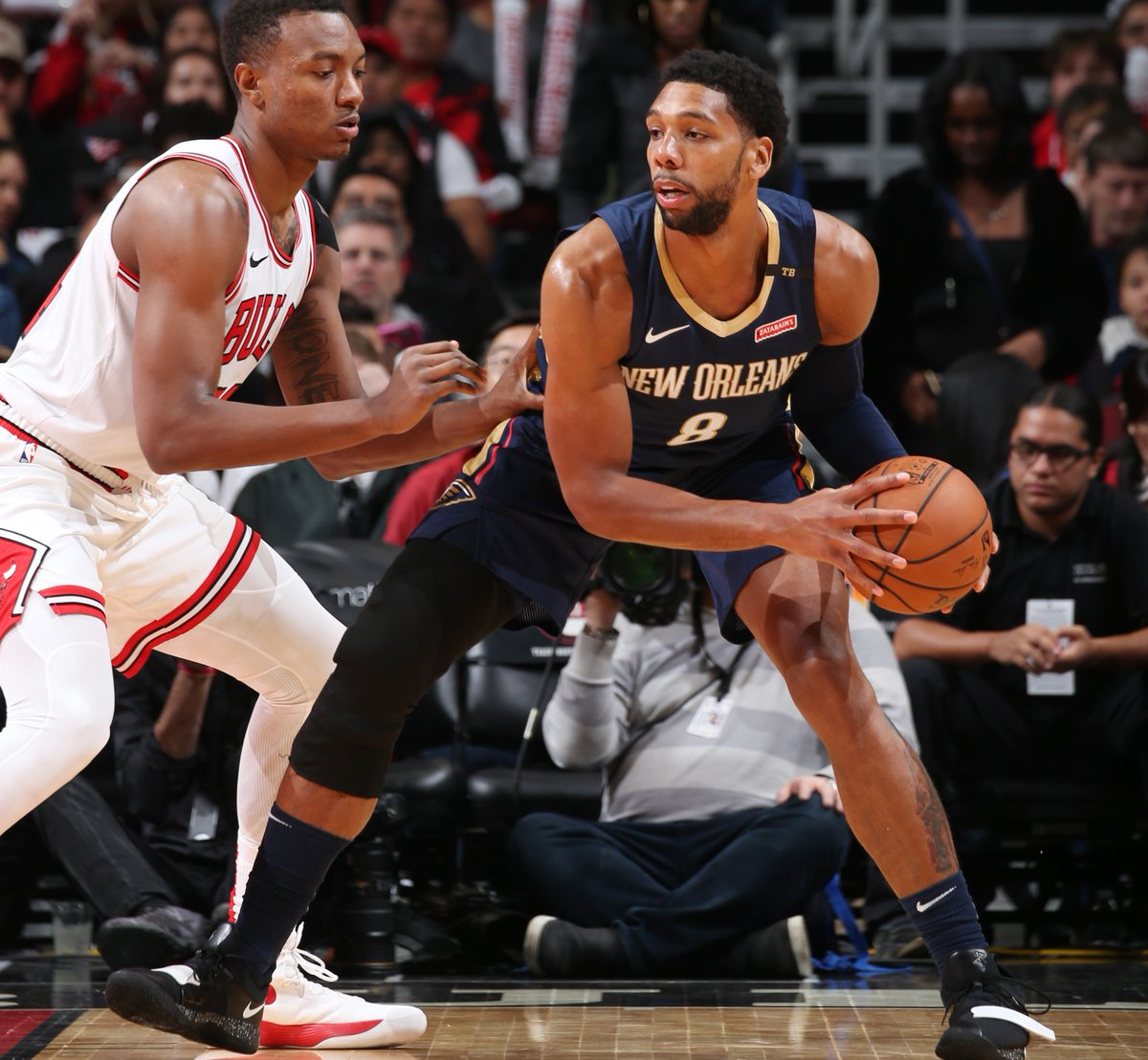 Jahlil Okafor is expected to miss approximately 1-2 weeks with a right ankle sprain.  📰: https://t.co/hNyCTWxJyI