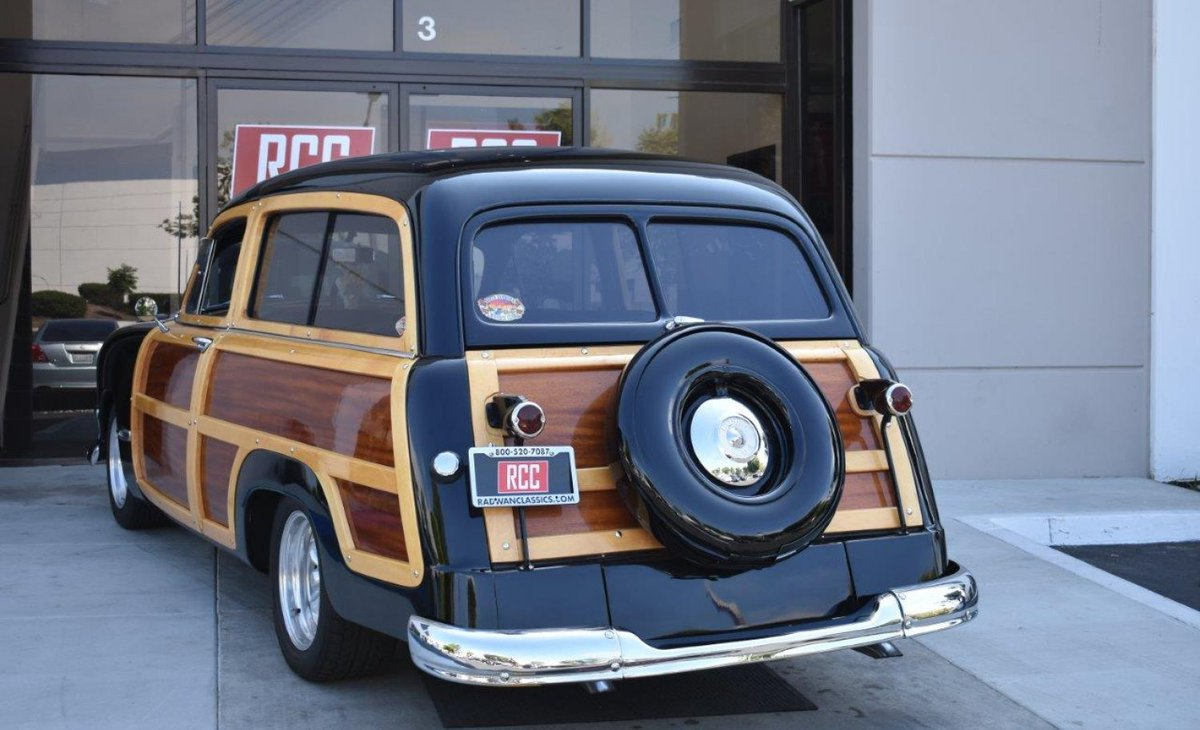 It features gorgeous Maple with Mahogany wood inlays and a wood-grain wrapped dash. This beauty is set up to drive and show! Check out this and more at ...