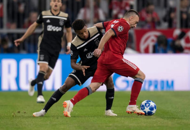 e3a9d7ec80b Franck Ribéry in 74 minutes  1 shot 1 dribble completed 0 key pass Serge  Gnabry in 16 minutes  2 shots 2 dribbles completed 1 key pass  FCBAJA ...