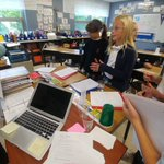Image for the Tweet beginning: Fifth-grade Scientists comparing the physical