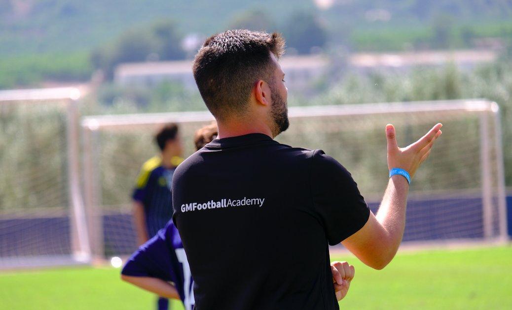 ¡ESTÁS A TIEMPO! ⏱⏰🕰 Si tú sueño es ser entrenador de fútbol  ⚽️ 🧞♂️🧚♀️ Aún puedes apuntarte a nuestros cursos  🌞🏖⛰🏜 http://ow.ly/GMtO30lkKst