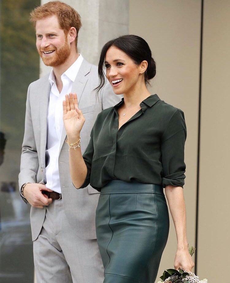 First off, they look absolutely fantastic. Second, I love how at any event the go to they find little moments of connection just for the two of them. It's special it really is. ♥️