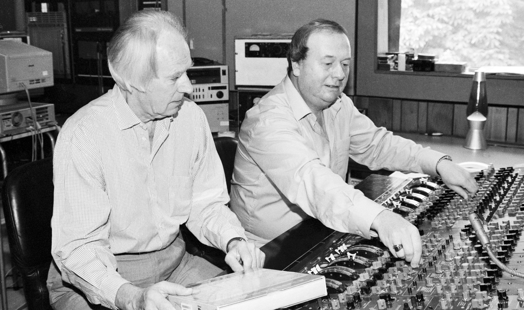 Reloaded twaddle – RT @RollingStone: Rob Sheffield on how Beatles engineer Geoff Emerick, who died ...