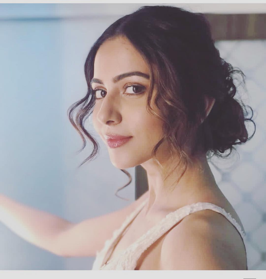 Time Travel sequel gets Rakul Preet support !?!