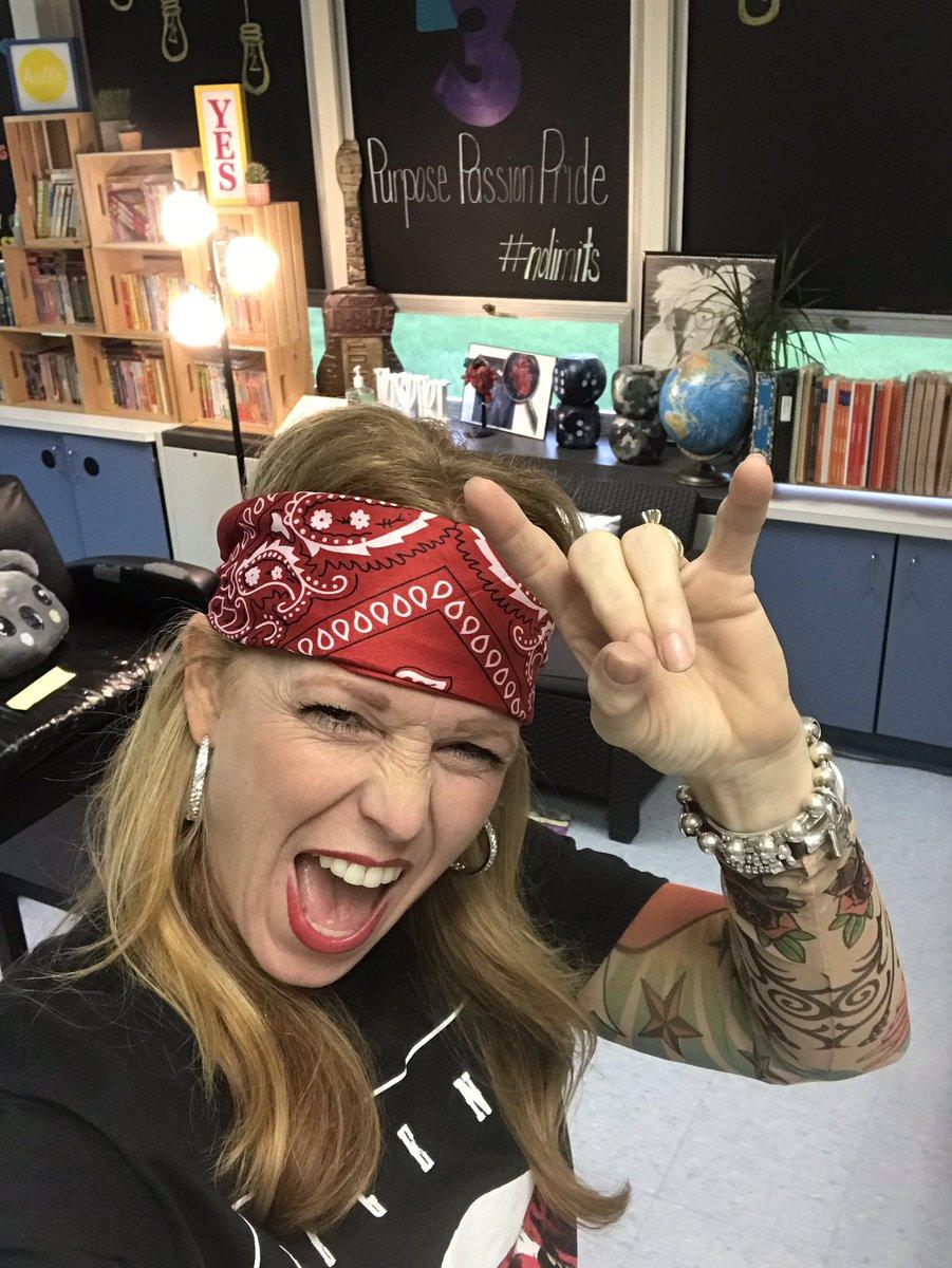 @LindaEdwardsi @DrJacieMaslyk @Vikings_Super @burgessdave @RaeHughart Hahahaha! 🤟👊💥 #Nan3EDU