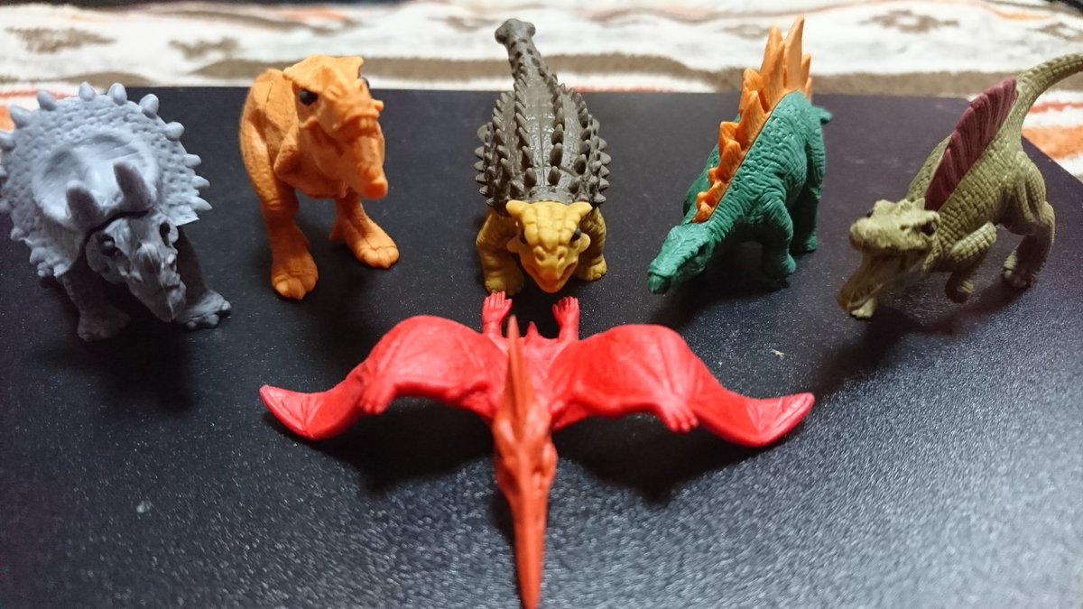 test ツイッターメディア - こんな可愛い消しゴム見たことない  #DAISO #恐竜 #推しはステゴサウルス https://t.co/l6dFHHUkqr