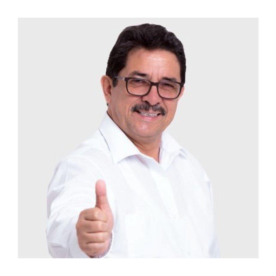 La semana pasada invitamos a los candidatos a la alcaldía de Lima para conocer sus propuestas sobre el transporte en Lima. 🚌😀 El primero en recibirnos fue Enrique @ENRIQUECORNEJOR 👨🏻. Si quieres saber más sobre lo que conversamos entra a este link: https://t.co/Ir2KWfKEuK https://t.co/u0Lr0dPxC6