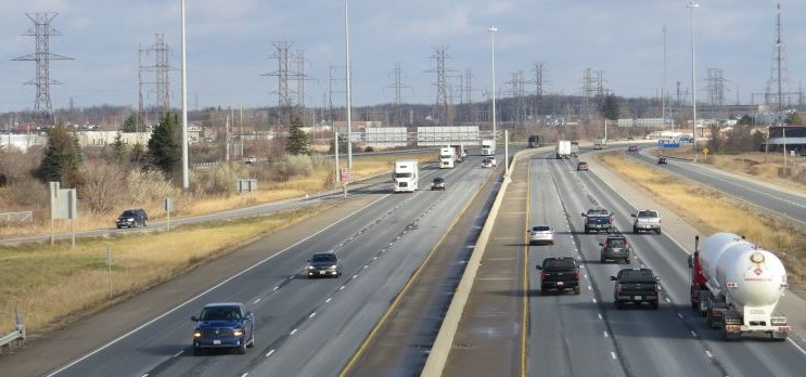 The MTO has 401 traffic reductions and a full EB 402 closure planned