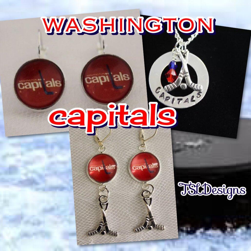 3ca40e93e957 ... upcycled hockey trading cards  http://stores.ebay.com/tlsdesignsandvintage … #nhl #washington #capitals # caps #capshockey #capsnation #capsgame #tieclip ...