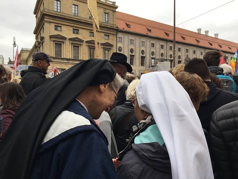 Sehr Unanständige Nonnen
