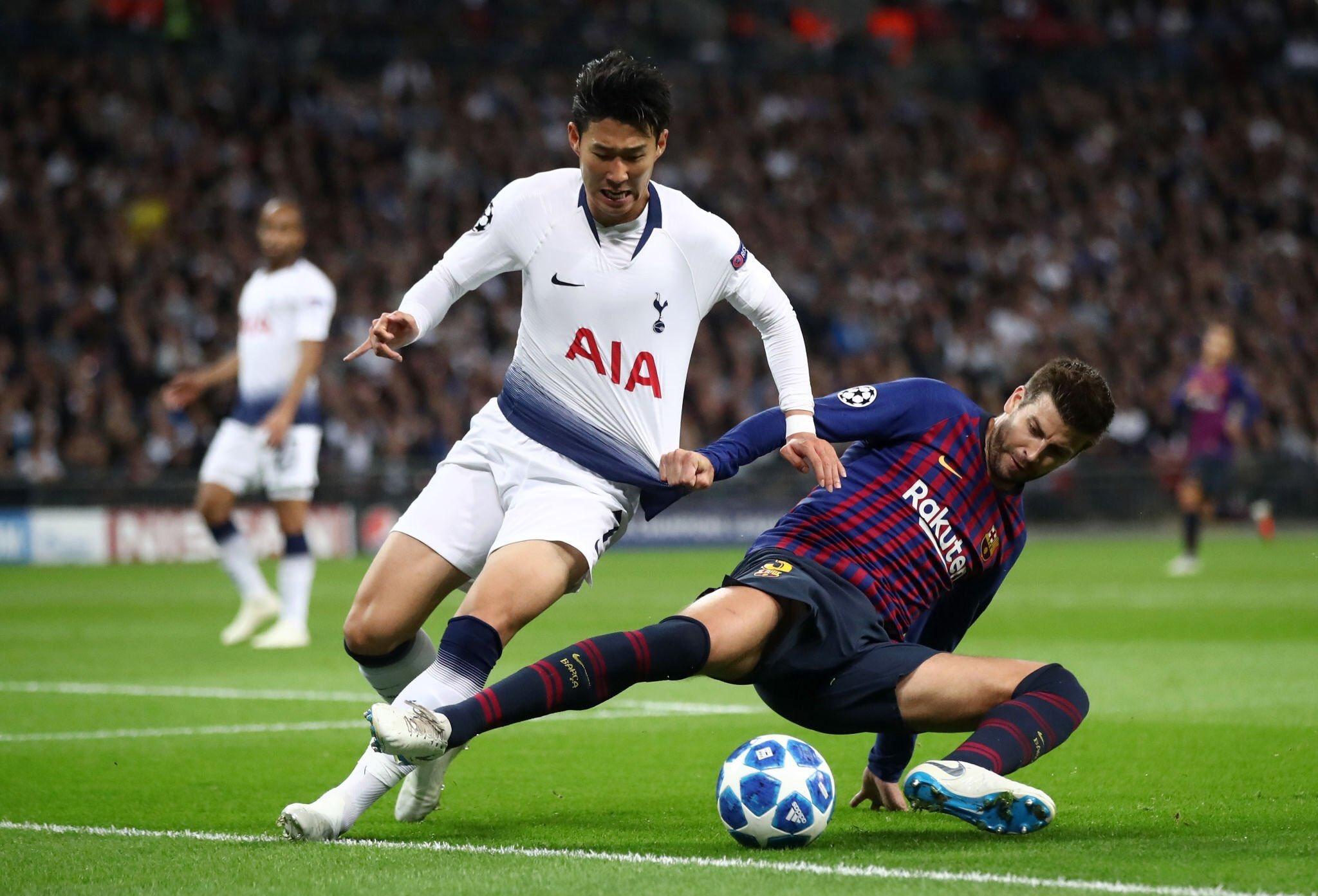 صور مباراة : توتنهام - برشلونة 2-4 ( 03-10-2018 )  DonW2TWW0AAbtwx
