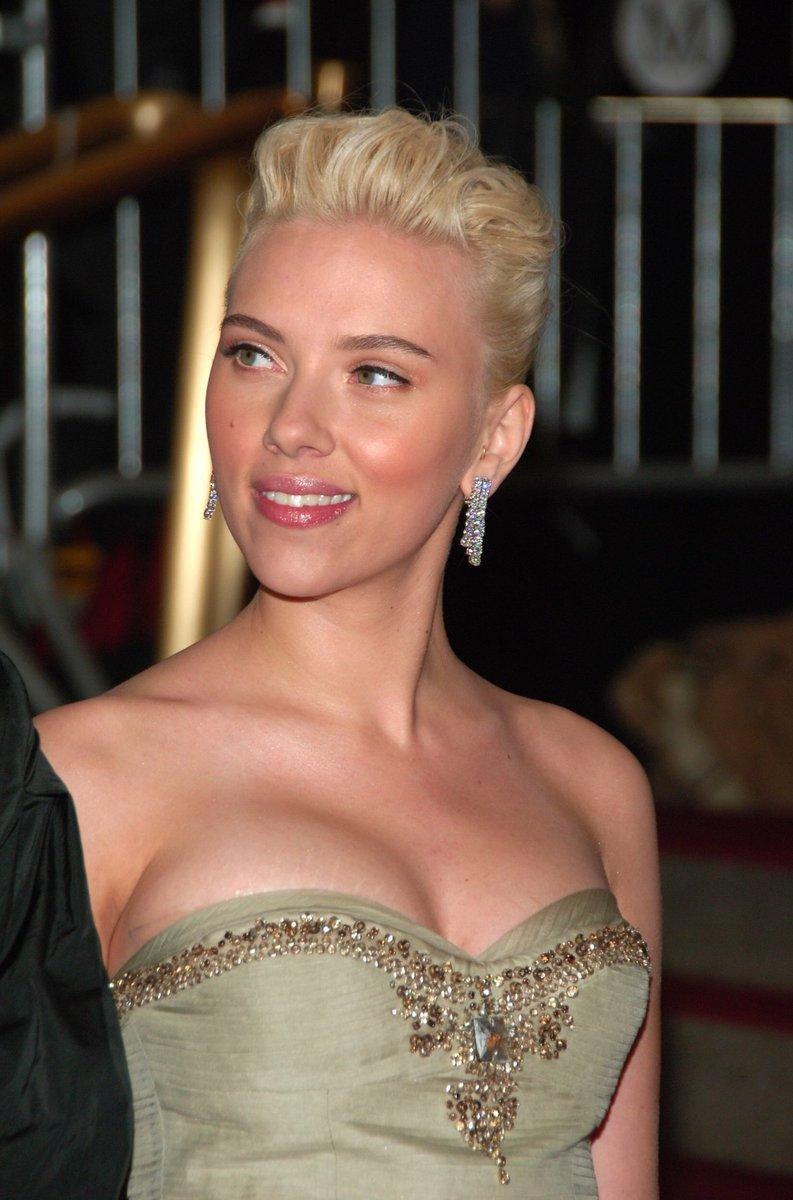 Twitter Scarlett Johansson nude photos 2019