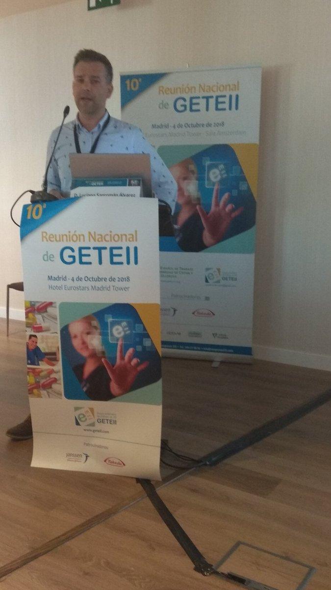 #GETEII2018 Luciano Sanroman nos presenta la nueva guía de apoyo para #pacientesconEII y profesionales de #Enfermeria  @GETEII @abbvie @CuidadosLaFe