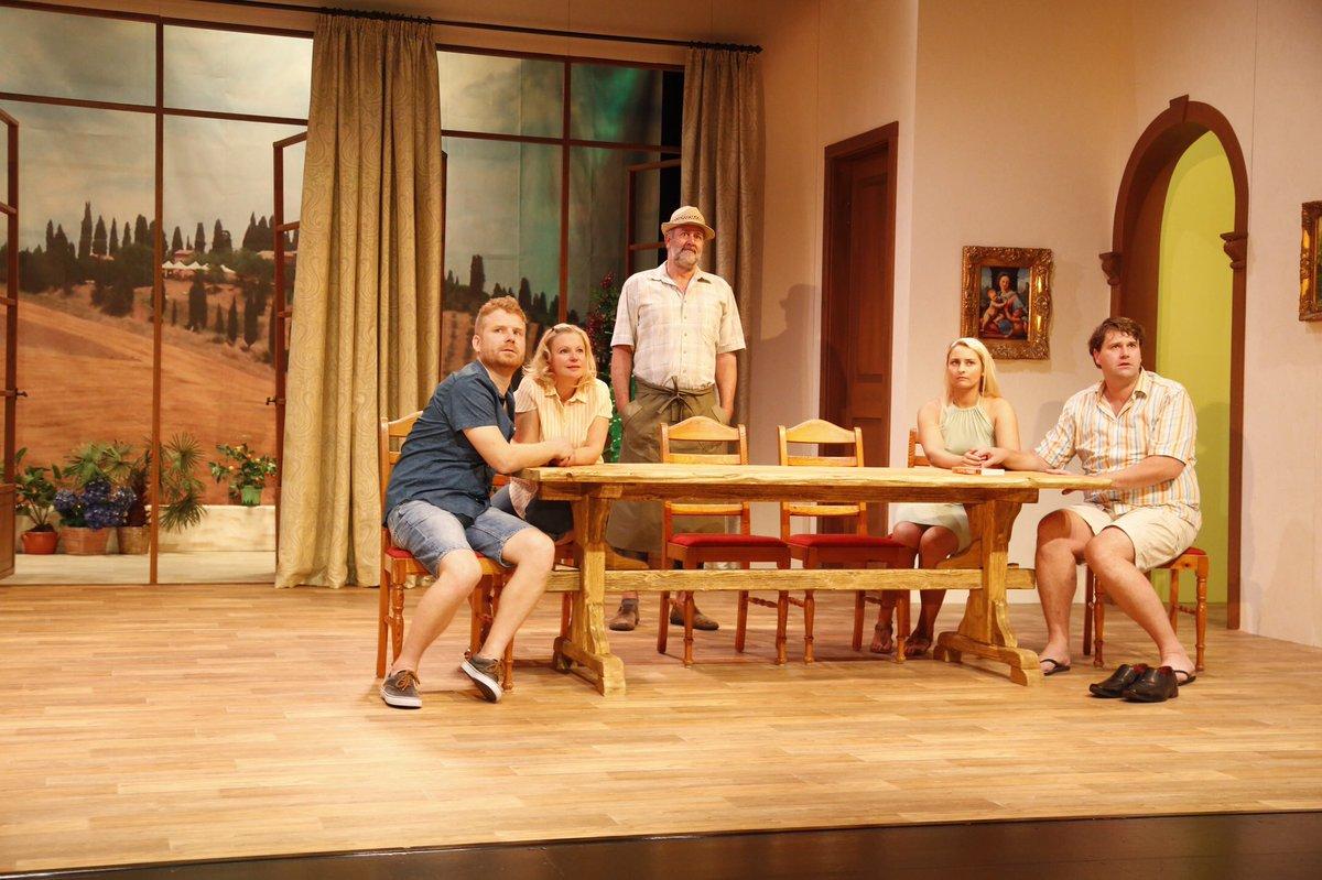 #geteiltdurchdrei Komödie von @FrankPinkus und @KayKruppa im @WeyherTheater! Freitag ist Premiere!pic.twitter.com/2kJImOnlBe