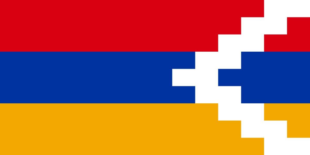 Em 1991, foi realizado um plebiscito: os votantes escolheriam entre fazer parte do Azerbaijão, da Armênia (o que resultaria em um enclave) ou independente. A terceira opção venceu e aí a região virou autônoma. Mas até hoje, nenhum país reconheceu essa independência.