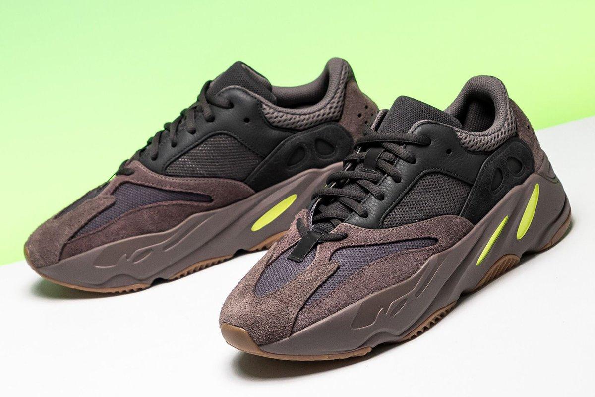 separation shoes b8736 b42aa Stadium Goods on Twitter: