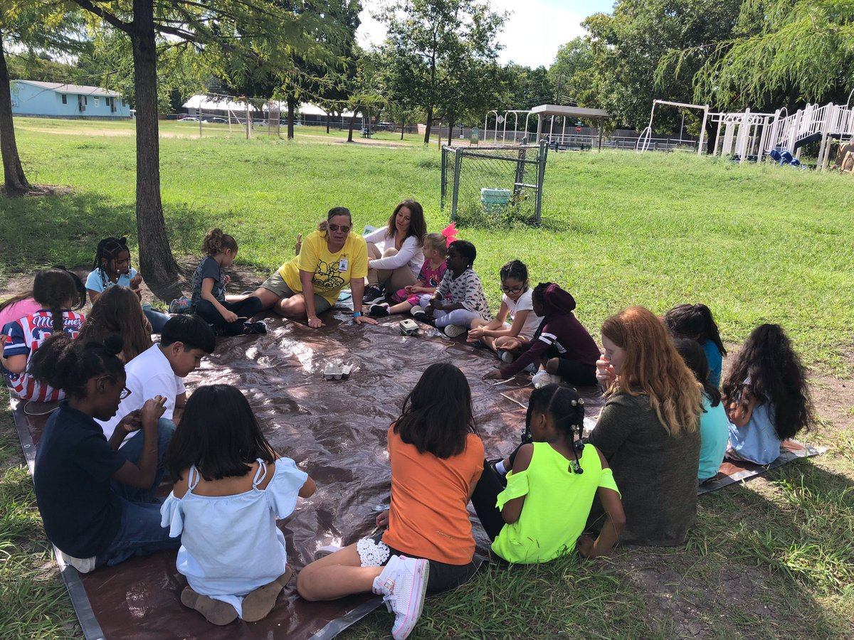 Blanton Elementary On Twitter 2nd Grade Has Had The Best Time Today First Day Of Our Peas Community Outdoor Lessons Aisdproud