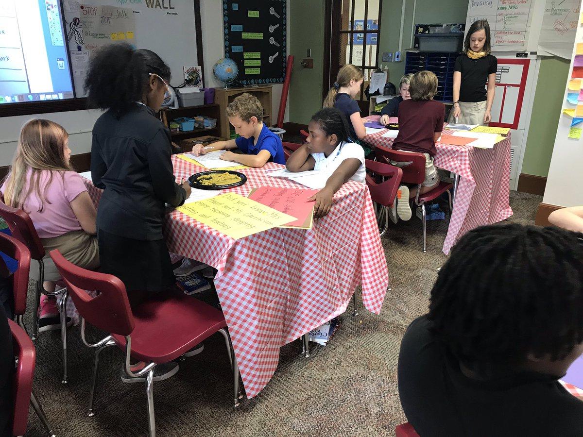 Punctuation is on the menu at Powell's Pasta Cafe. #studentEngagement @IPS_CFI @IPSSchools
