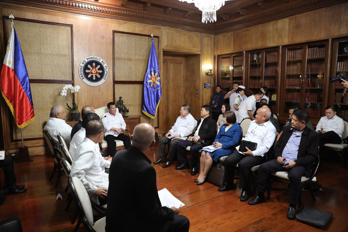 Presidential Comm On Twitter Pres Duterte Discusses Matters With