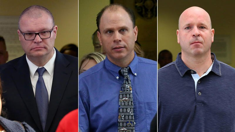"""3 Chicago cops charged with conspiring to exaggerate the threat Laquan McDonald posed before he was shot to death by Officer Jason Van Dyke provided """"virtually identical false information"""" about the shooting, unsealed prosecution document says https://trib.al/g2vzcKY"""