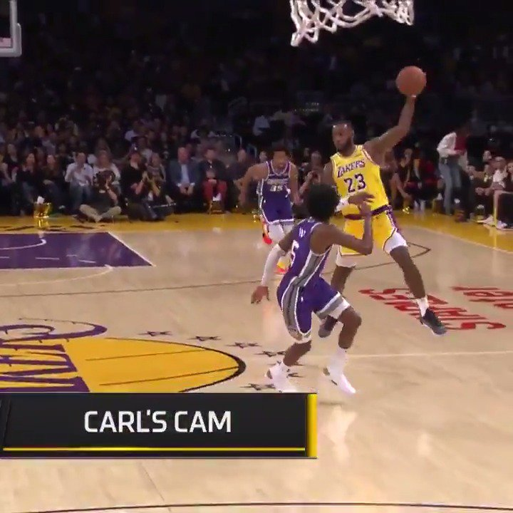 This pass from @KingJames is just filthy... �� https://t.co/Z7XQ0QNFII