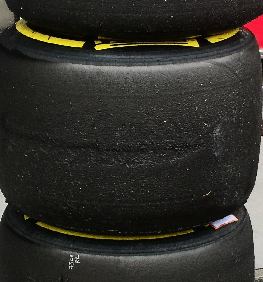 FERRARI SF71H: l'evidente blistering sulle posteriori Soft utilizzate da Kimi Raikkonen | Foto Fabrega