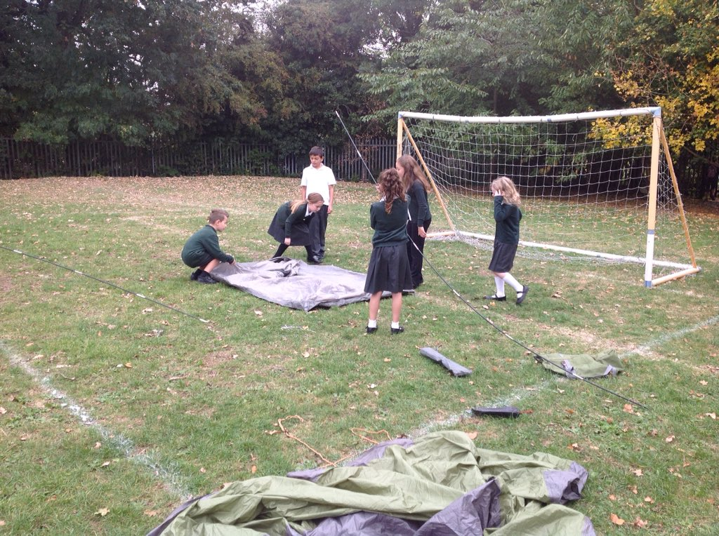 The challenge today: work in teams to put up a tent. 3 teams, 3 tents, 90 mins. Team work and problem solving with no adult support.