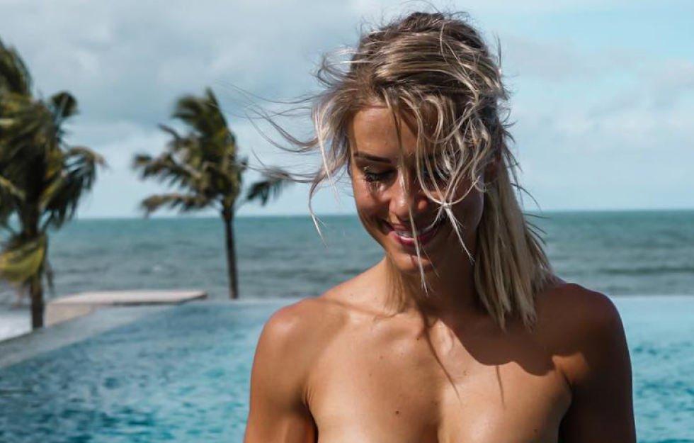 ScheuNe Nackte Frauen Am Strand