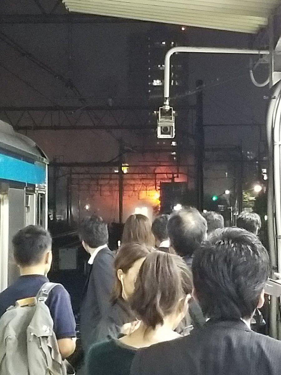大森駅付近で火事が起きている現場の画像