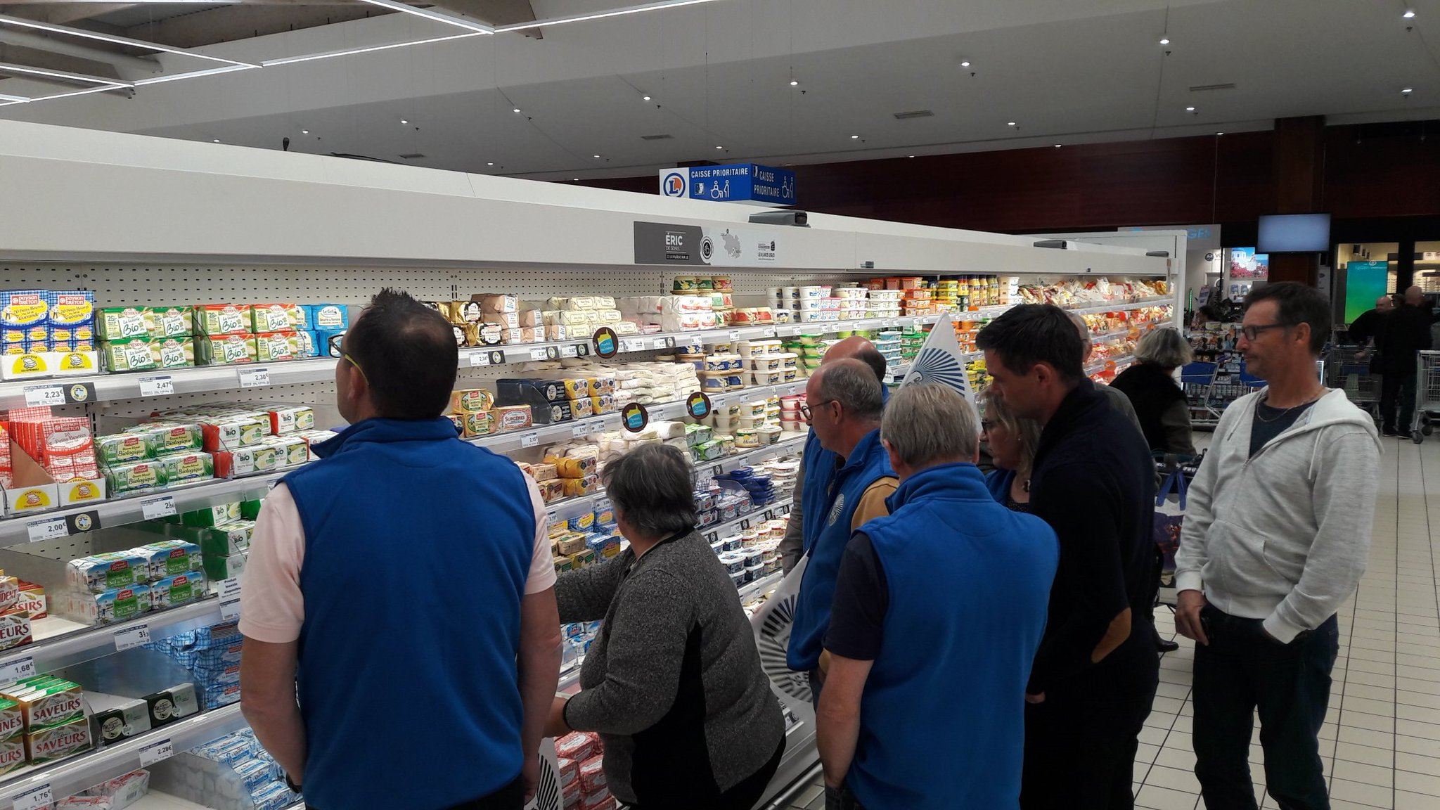 La FDSEA et Les JA du Morbihan dénoncent la braderie des GMS sur les produits laitiers