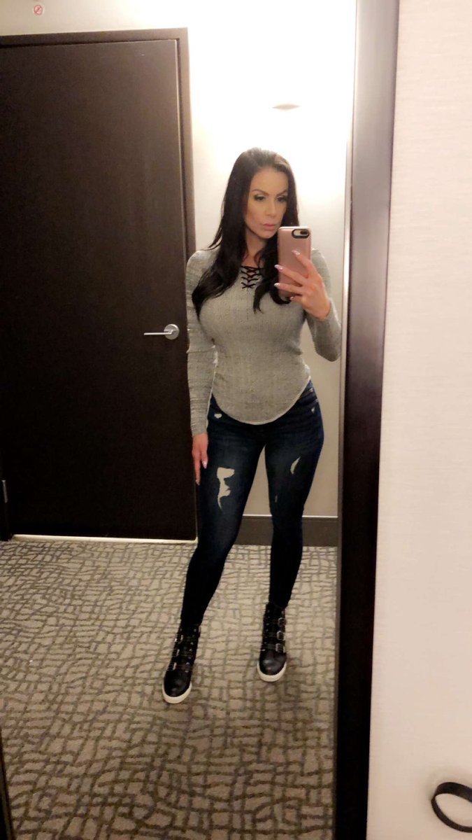 Kendra Lust  - Happy Friday twitter @KendraLust