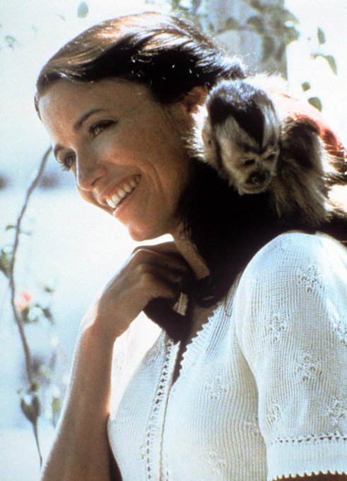 Just a message to remind everybody that Karen Allen\s an angel among mortals.  Happy Birthday Ms. Ravenwood!
