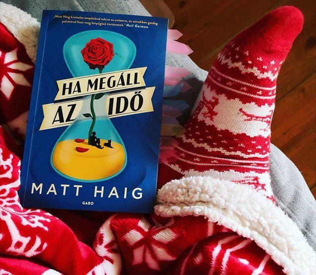 Matt Haig: Ha megáll az idő /Matt Haig is bevonult a kedvenc íróim közé. Imádtam ezt a könyvet. #matthaig #hamegállazidő #könyvutca #gabokiado #howtostoptime #könyvfotó #bookphotography #bookstagram #olvasás #readingpic.twitter.com/l8YUC3hPeO