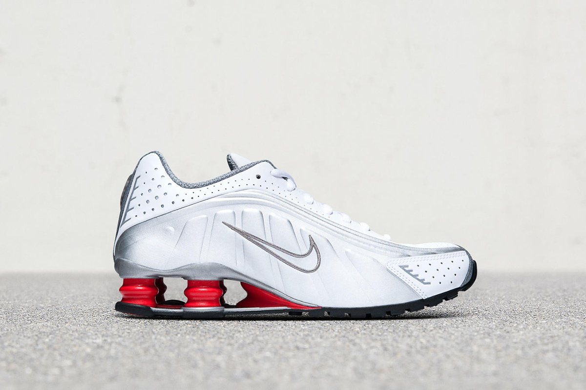 cheap for discount 52188 289d0 you can still buy the retro futuristic reissued nike shox r4 online