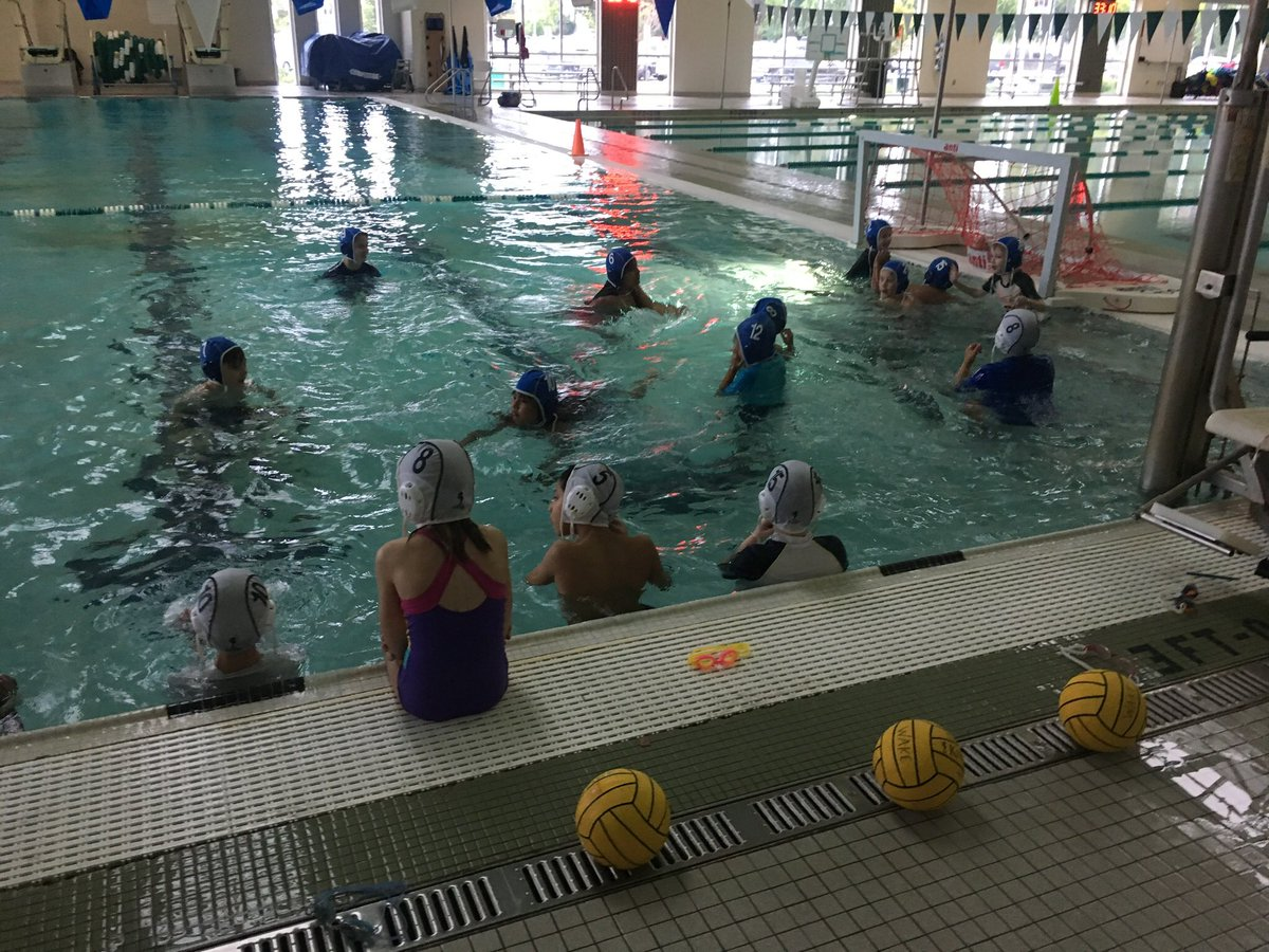 Wrapped up this week of 4th grade swimming with water polo and diving board! <a target='_blank' href='http://twitter.com/CampbellAPS'>@CampbellAPS</a> <a target='_blank' href='http://twitter.com/APSVirginia'>@APSVirginia</a> <a target='_blank' href='http://twitter.com/APSHPEAthletics'>@APSHPEAthletics</a> <a target='_blank' href='https://t.co/E1zLdBaSeC'>https://t.co/E1zLdBaSeC</a>