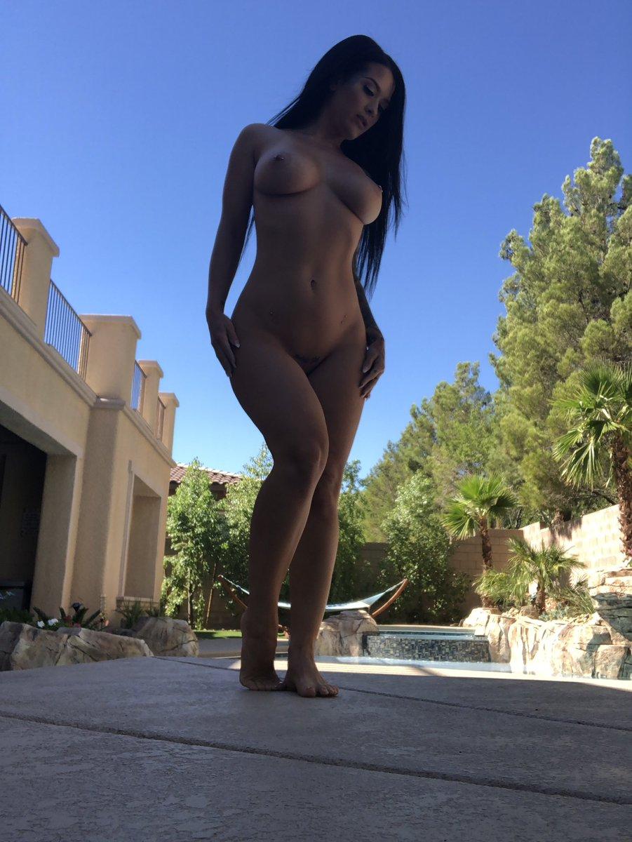 Katrina Jade twitter @kj_fetishmodel