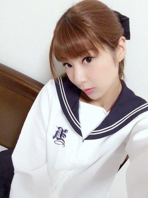 洋服が素敵な小島綾香さん
